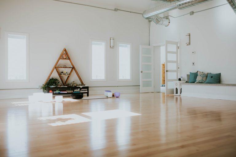 sacred space yoga minneapolis meditation041 768x512