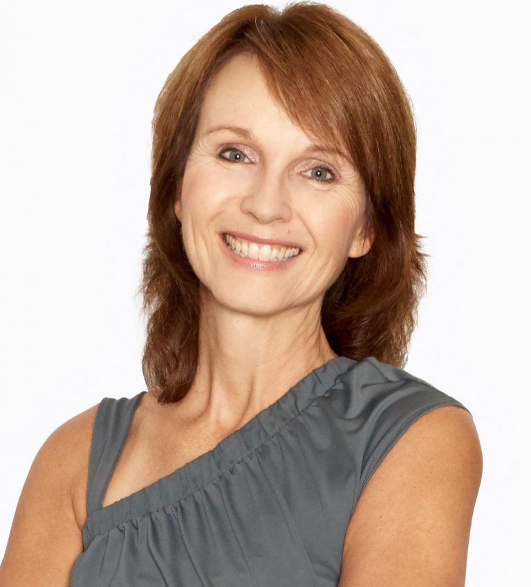 Monica Delius yoga prof 768x850